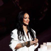 Facebook Rihanna