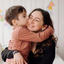 A través del #MamáSinFiltro, algunas mujeres cuentan sus anécdotas de madres