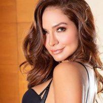 Kimberly Reyes recordó en redes sociales su paso por una revista para adultos