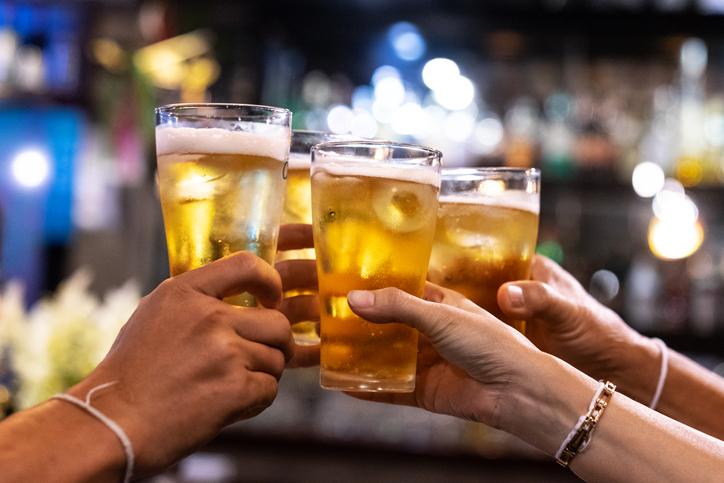A los bebedores compulsivos les cuesta sentir empatía, según estudio