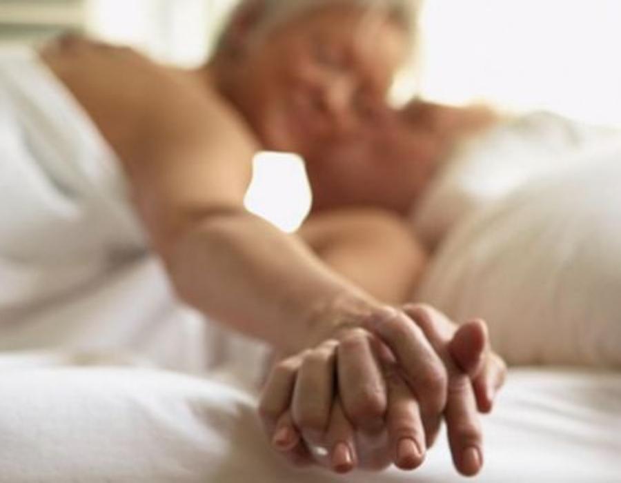 Estudio desmiente que las mujeres pierdan interés en el sexo cuando envejecen