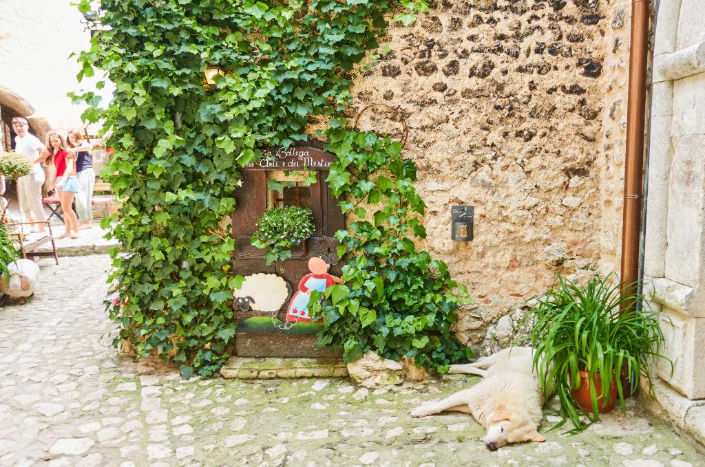 Places To Visit - Santo Stefano di Sessanio