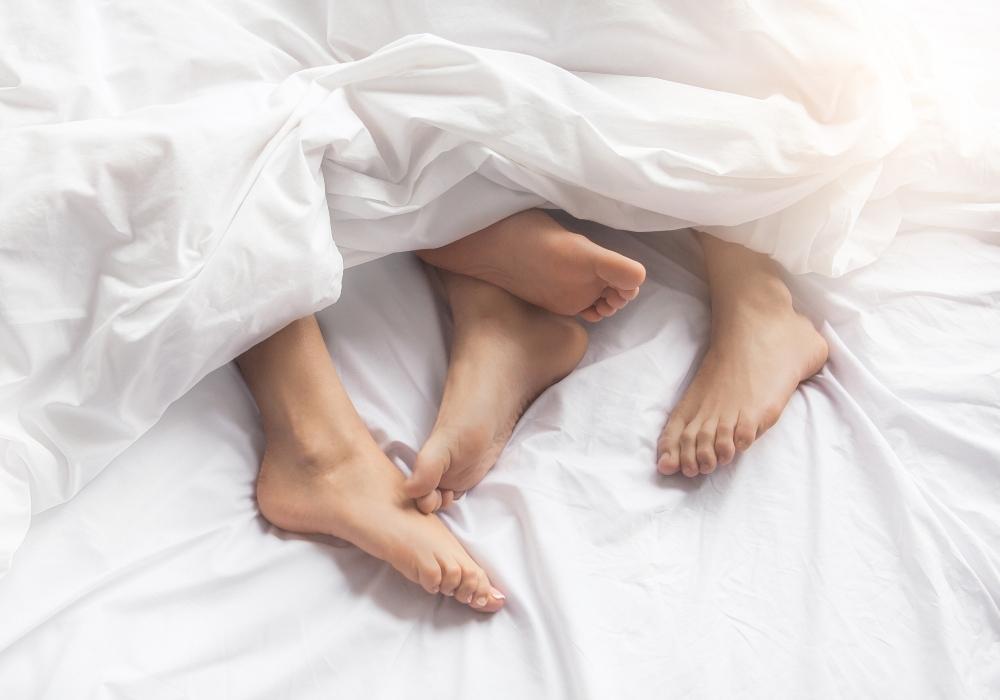 Sexo: los solteros prefieren 'hacerlo' con sus vecinos durante la pandemia, según estudio