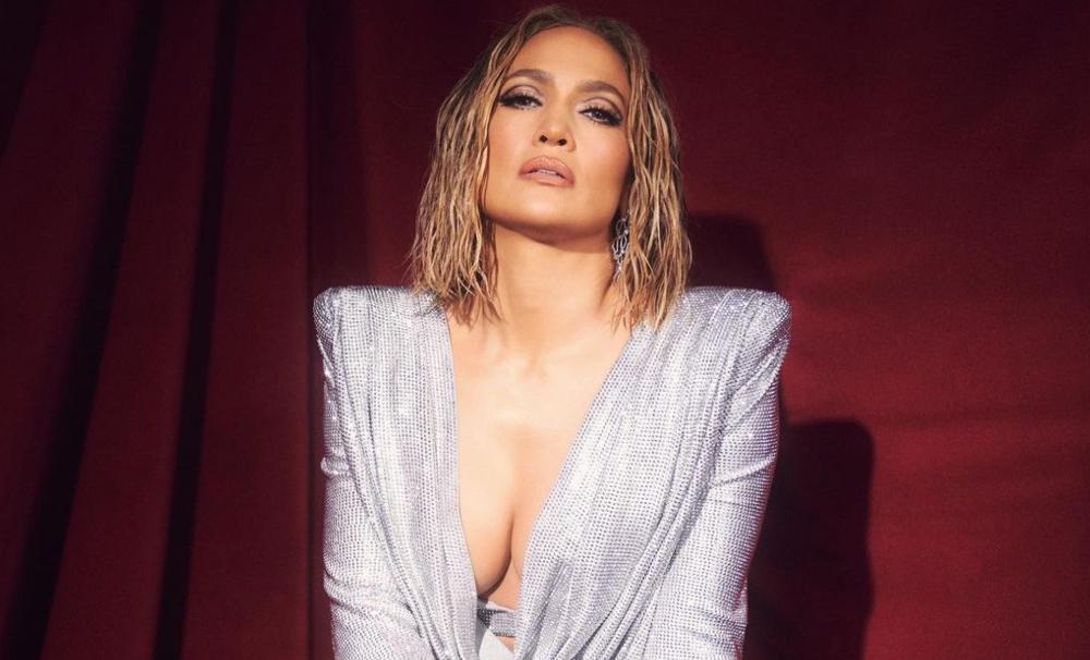 """Jennifer López se desnuda por completo y dicen que """"sus curvas siguen intactas"""""""