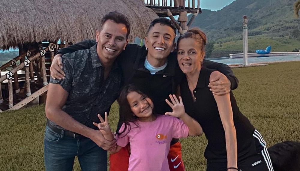Andy Rivera bailó en TikTok con su familia y se fijaron en la conservada figura de su mamá