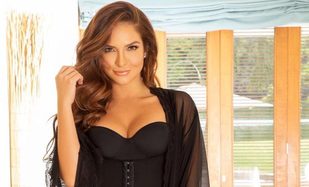 Kimberly Reyes dejó ver sus glúteos mientras protagonizaba un sensual baile