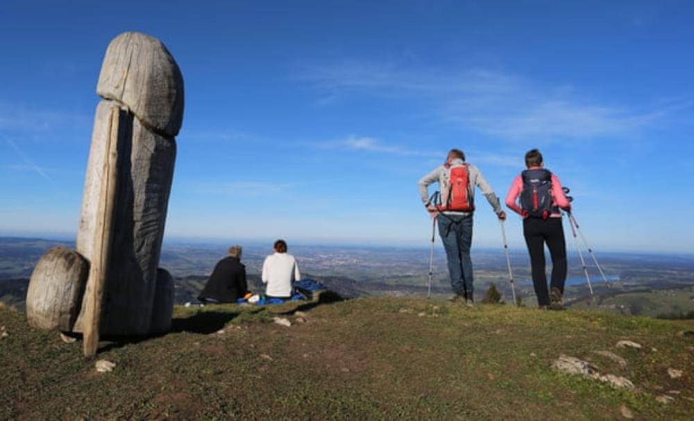 Escultura de un pene gigante desapareció y su paradero es un misterio