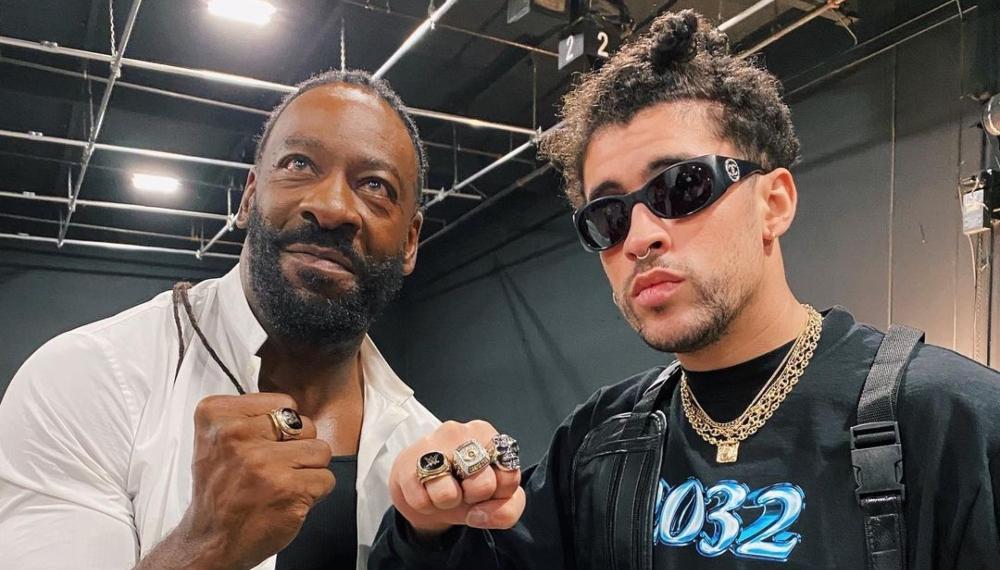 """Bad Bunny lanzó el videoclip de """"Booker T"""" y el legendario luchador es el protagonista"""