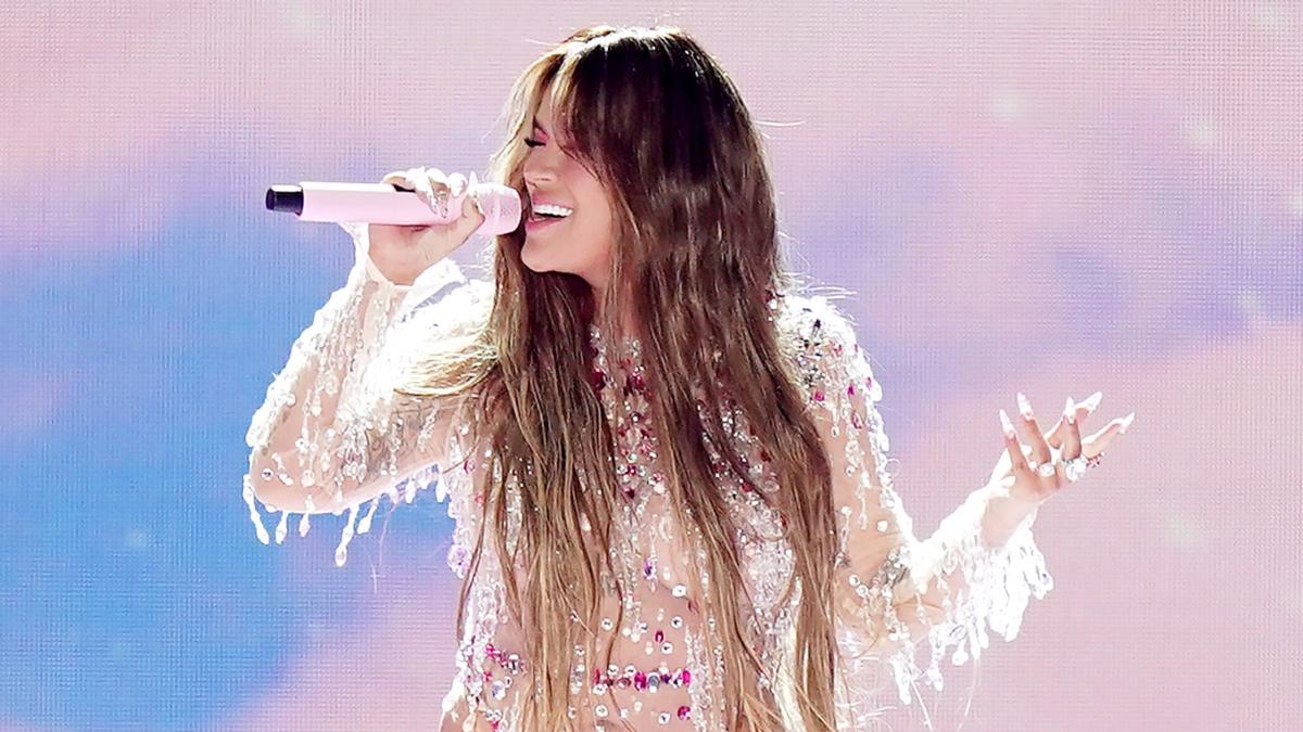 Karol G en Miami cantando Tusa