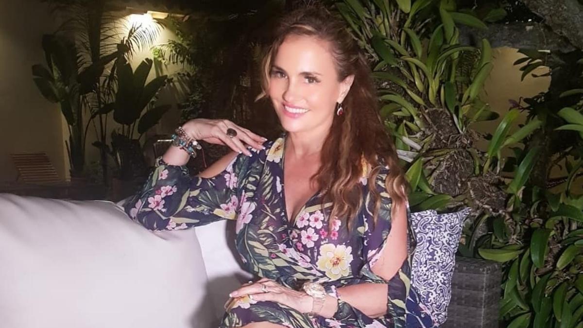 Aura Cristina Geithner descrestó bailando y al decir que se siente rica