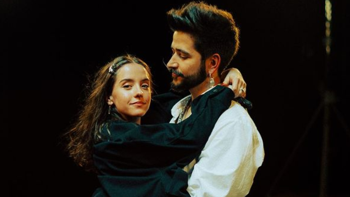 Camilo y Evaluna hacen romántica acrobacia