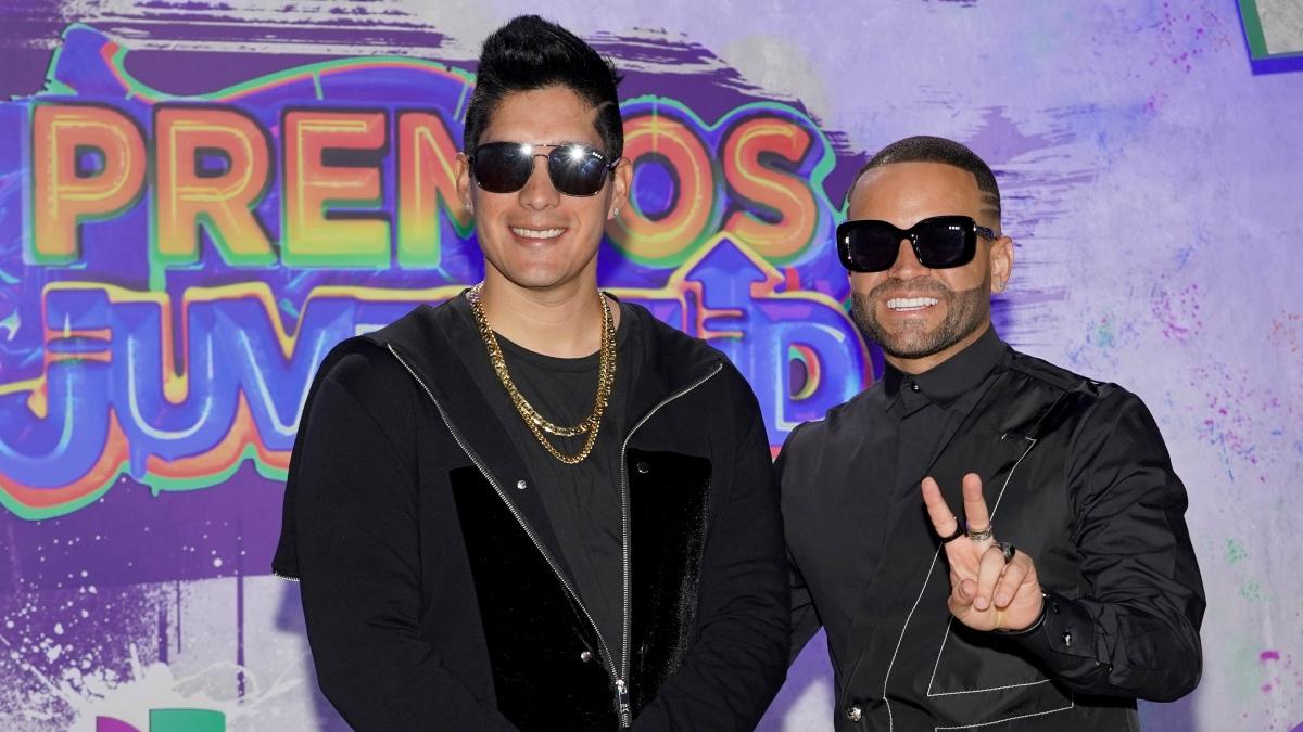 Chyno y Nacho lanzaron nueva música en los Premios Juventud 2021